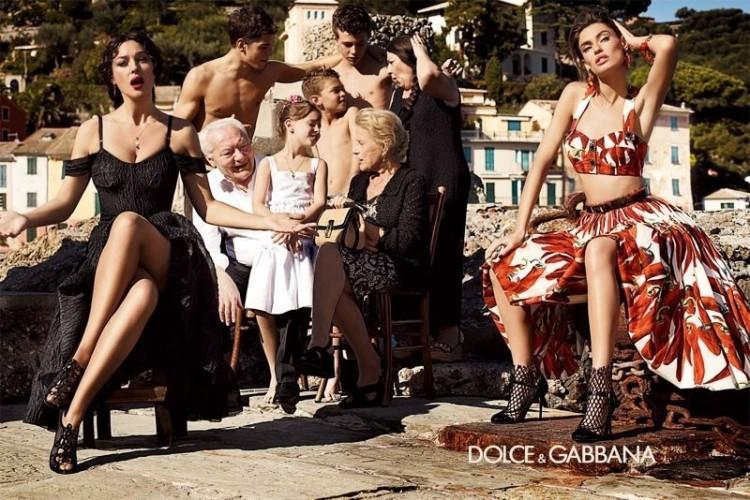 Family Portrait By Dolce Gabbanapetpanda Blog Petpanda Blog