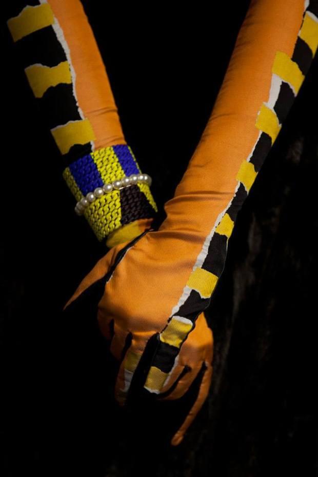 3 gloves
