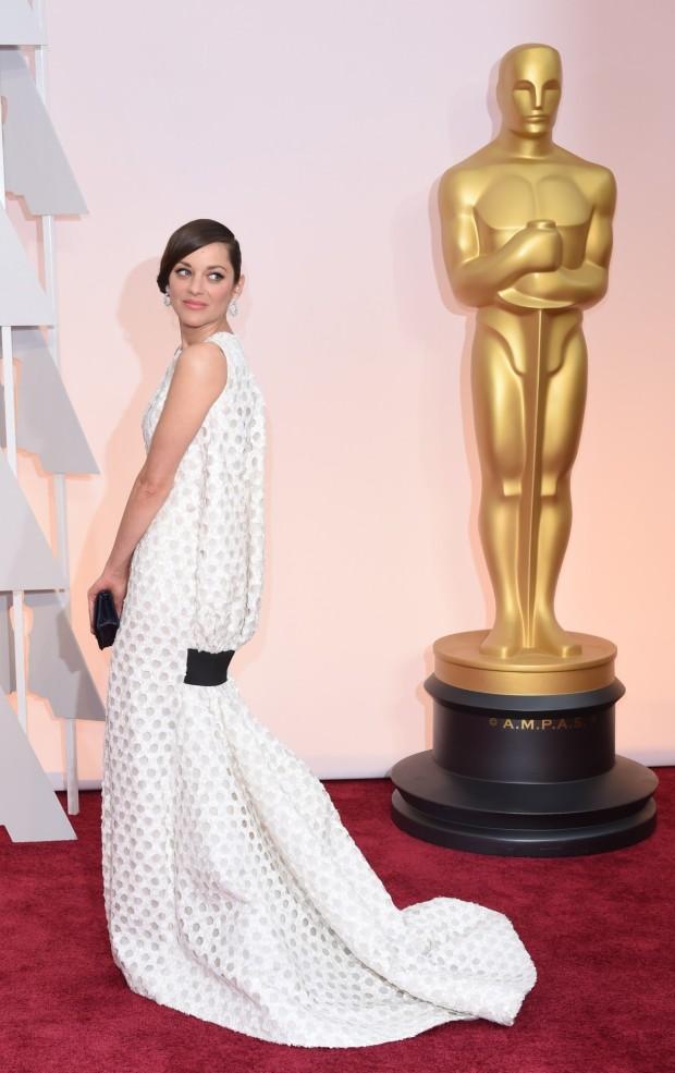 o Marion Cotillard in Dior Haute Couture